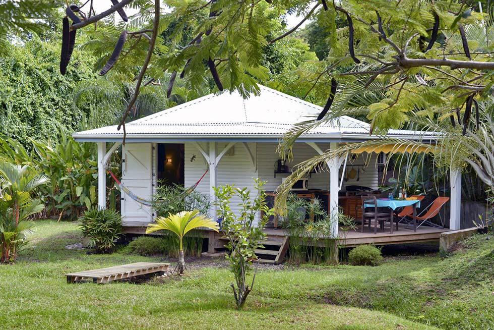 Maison d'hôte en Martinique, location chez l'habitant ou ferme auberge ? Soignez votre séjour sur l'île aux fleurs.